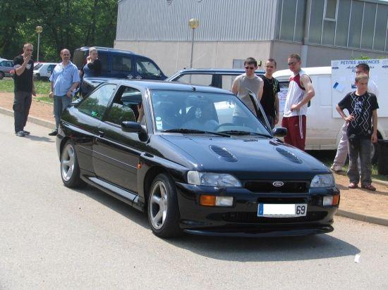 Arrivée d'une Escort Cosworth